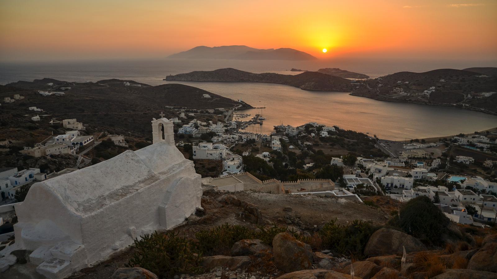 sailing greece santorini to mykonos