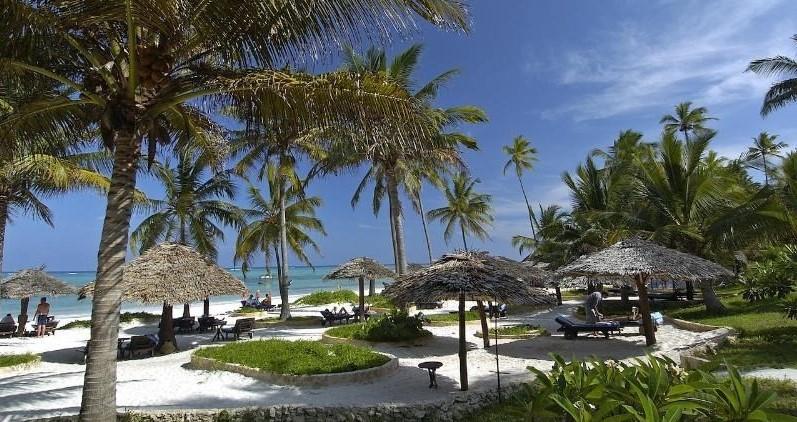 Breezes-Beach-Club-And-Spa-Boland-Travel1