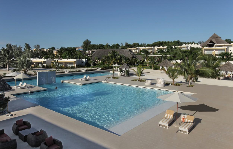 Gold-Zanzibar-Pool-Boland-Travel