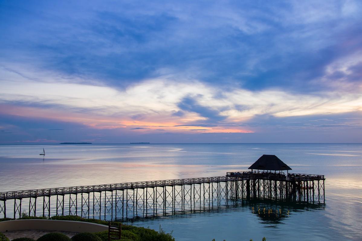 Seacliff-Zanzibar-Deck-Boland-Travel