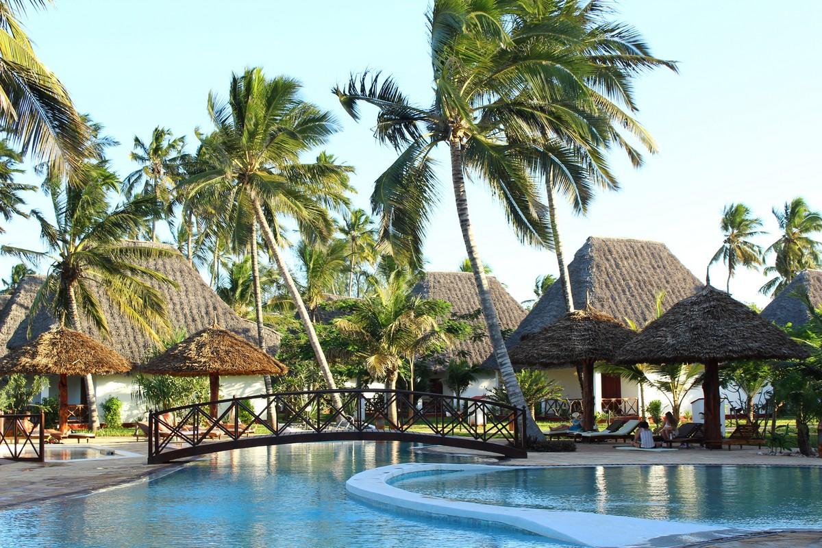 Uroa-Bay-Zanzibar-Boland-Travel-2